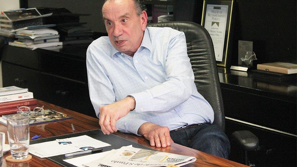 Senador Aloysio Nunes Ferreira (PSDB) em seu escritório, em Pinheiros.